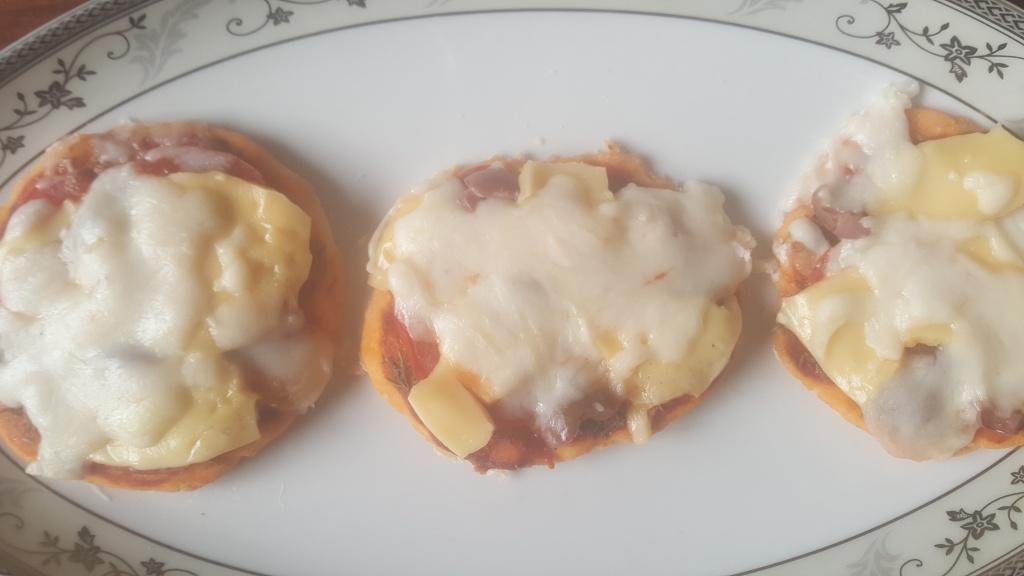 Microwave Gluten-free Mini Pizza